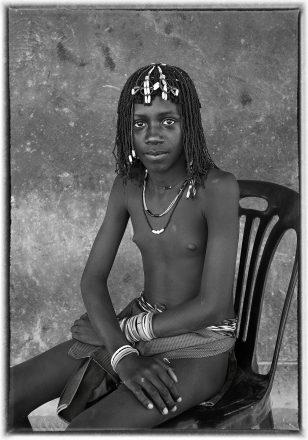 Ovazimba Girl, Epembe, Namibia, 2011, giclee hybrid, 82 x 54 cm, signed in margin
