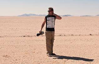 Christopher Rimmer in the Namib Desert in 2013. Pic by Nico van Rensburg.