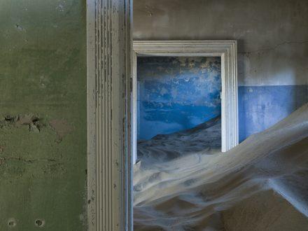 Bathroom, Elizabeth Bay - Christopher Rimmer